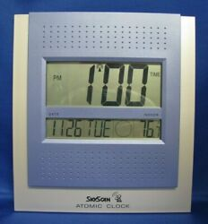 SKYSCAN ATOMIC CLOCK BATTERY OPERATED WALL MOUNT OR TABLE/DESK (EXC COND)