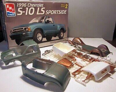 MODEL CAR 1996 CHEVROLET S-10 SPORTSIDE AND REVELL AMIGO 32 FORD STREET ROD