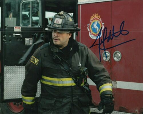 JOE MINOSO signed (CHICAGO FIRE) TV SHOW auto 8X10 photo *Joe Cruz* W/COA #1