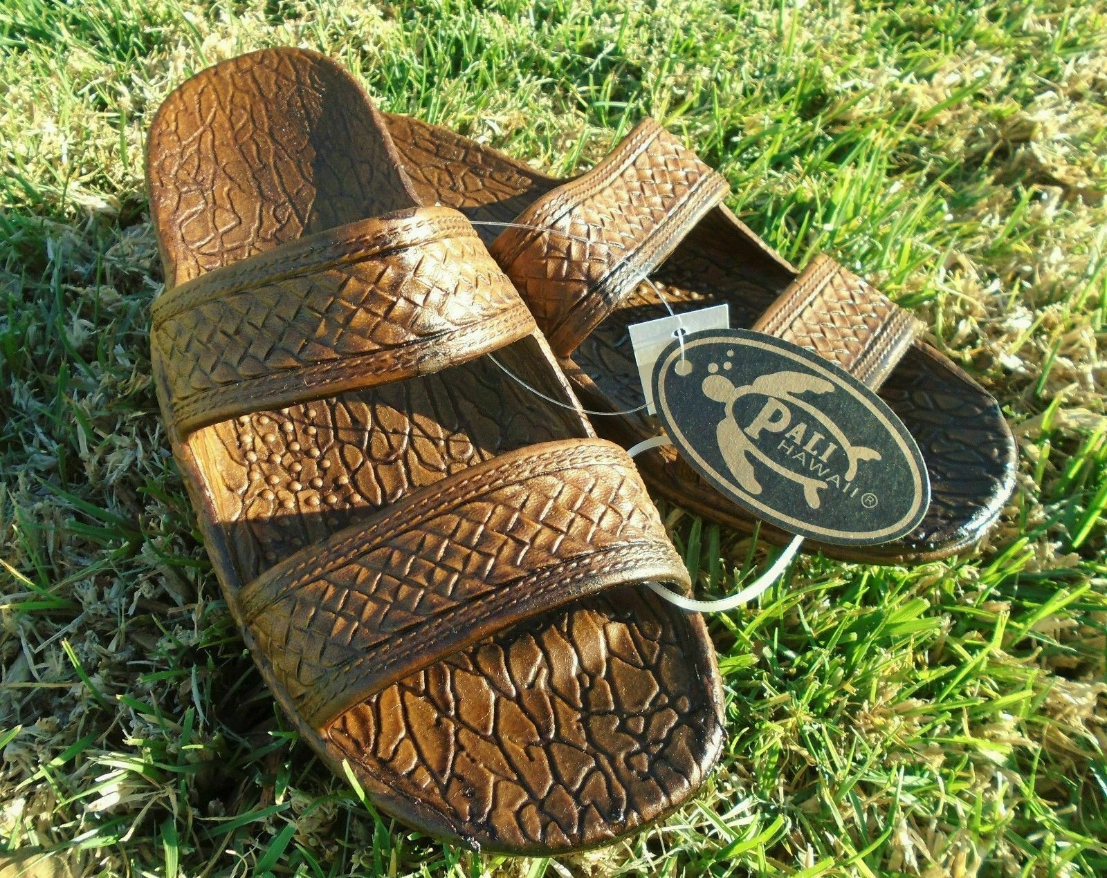 Pali Hawaii Beach Sandles - SIZE 5 - Great for Summer and Be