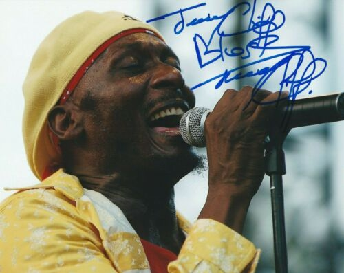 JIMMY CLIFF SIGNED  8X10 PHOTO W/PROOF 3