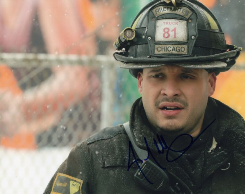 Joe Minoso signed 8x10 Photo w/COA Chicago Fire Med P.D. Joe Cruz #4