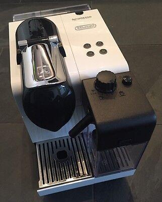 Nespresso Kapselmaschine Lattissima+ DeLonghi EN520W Silky White weiß + HÄNDLER ()