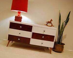 MID CENTURY/ MODERN/ RETRO SIDEBOARD/ BUFFET/ CHEST OF DRAWERS Berwick Casey Area Preview