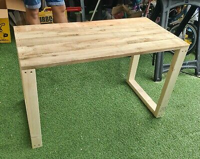 Garden planter table