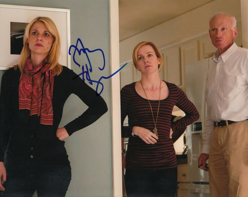AMY HARGREAVES signed (HOMELAND) TV Show 8X10 photo *Maggie Mathis* W/COA