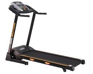 NEW GO30 MOTION-200 HOME TREADMILL-INCLINE/LCD DISPLAY/PROGRAMS