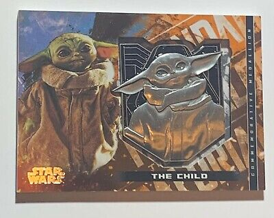 2020 Topps Star Wars The Mandalorian Season 1 The Child Medallion Relic