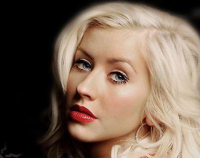 Christina Aguilera Unsigned 8x10 Photo (6)