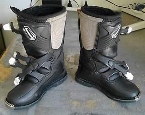 Kids shift motocross boots Logan Village Logan Area Preview