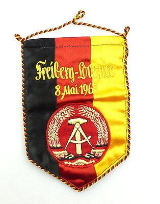 #e4484 Schöner alter DDR Wimpel: Freiberg - Lovosice 8. Mai 1965, gestickt