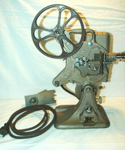 Vintage Keystone 16mm Projector w/ Case Model A-82 Reel