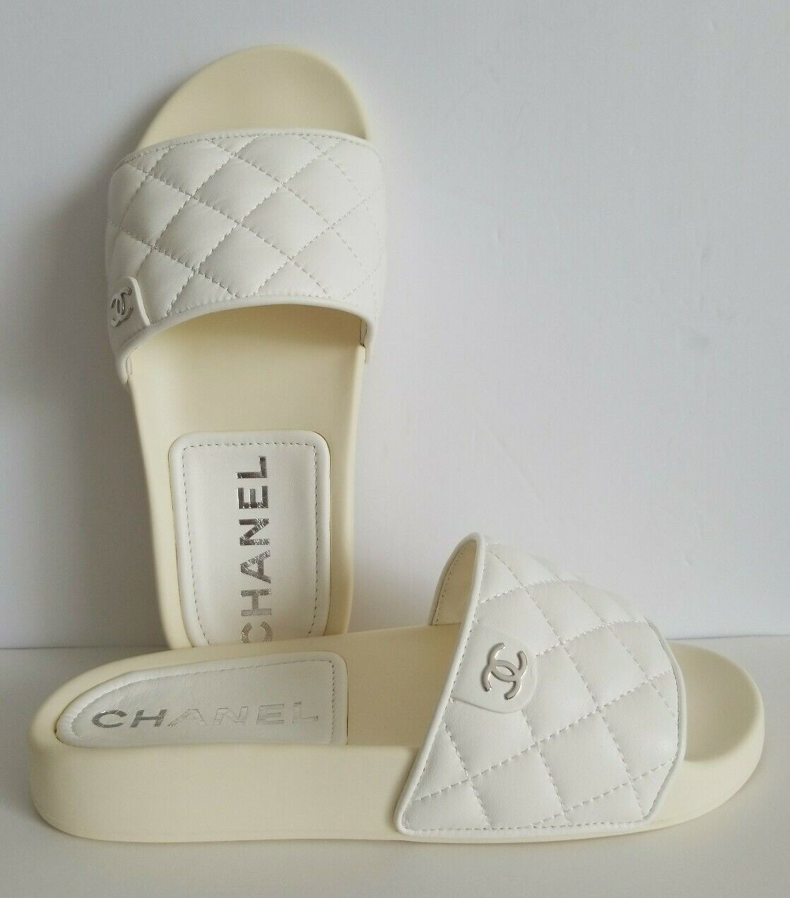 CHANEL ICONIC SUN DECK RARE QUILTED SILVER CC LOGO SLIDES I LOVE SHOES