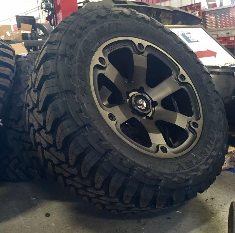 """(5) 18"""" Fuel Beast D564 Black Wheels Rims 35"""" Toyo Mt Tires 5x5 Jeep Jk Wrangler"""