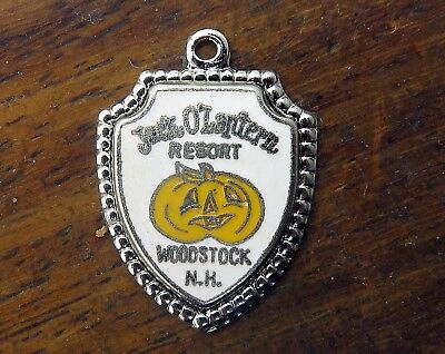 Vintage silver NEW HAMPSHIRE WOODSTOCK HALLOWEEN JACK O LANTERN SHIELD charm #E1 ()