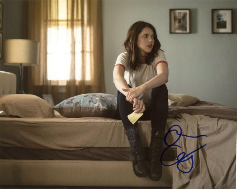 """Margaret Qualley """"The Leftovers"""" AUTOGRAPH Signed 8x10 Photo"""