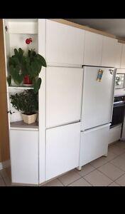 Armoires de cuisine doit partir RAPIDEMENT 250$
