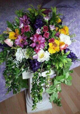 BEAUTIFUL ARTIFICIAL FLOWER HANGING BASKET ** Beautiful Summer Mix of Colour **