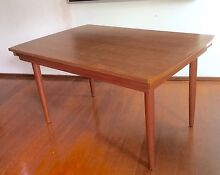 PERFECT MIDCENTURY RETRO FAMILY FRIENDLY EXT TABLE Rochedale Brisbane South East Preview