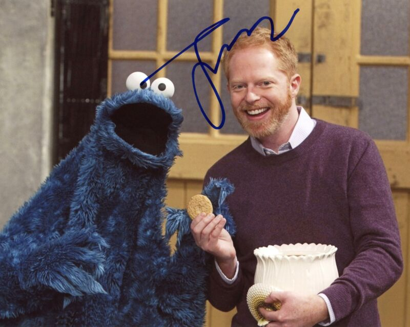 "Jesse Tyler Ferguson ""Modern Family"" AUTOGRAPH Signed 8x10 Photo C"