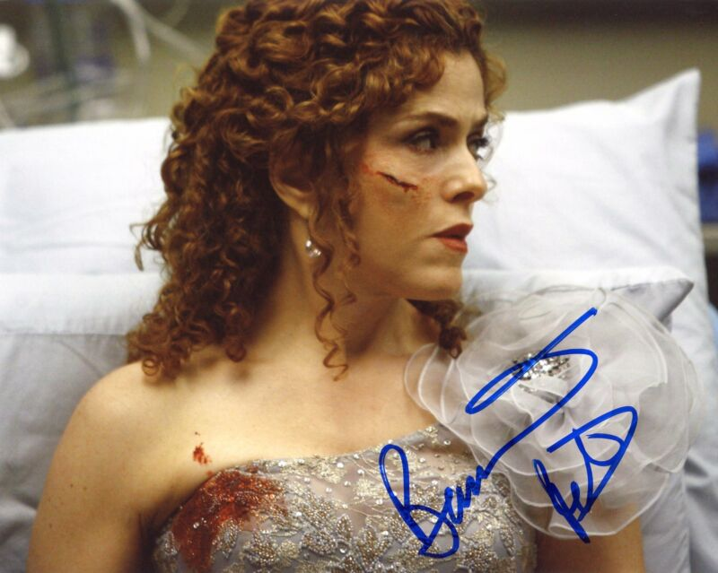 "Bernadette Peters ""Grey's Anatomy"" AUTOGRAPH Signed 8x10 Photo ACOA"