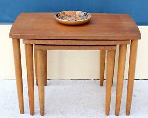 *FREE DLY-RETRO VINTAGE MID CENTURY NEST OF COFFEE & SIDE TABLES