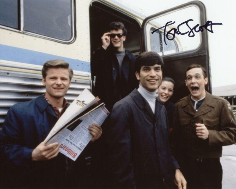 "Tom Everett Scott ""That Thing You Do"" AUTOGRAPH Signed 8x10 Photo ACOA"