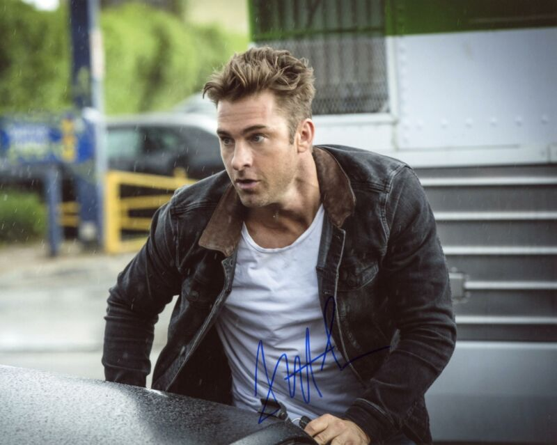 "Scott Speedman ""Animal Kingdom"" AUTOGRAPH Signed 8x10 Photo"