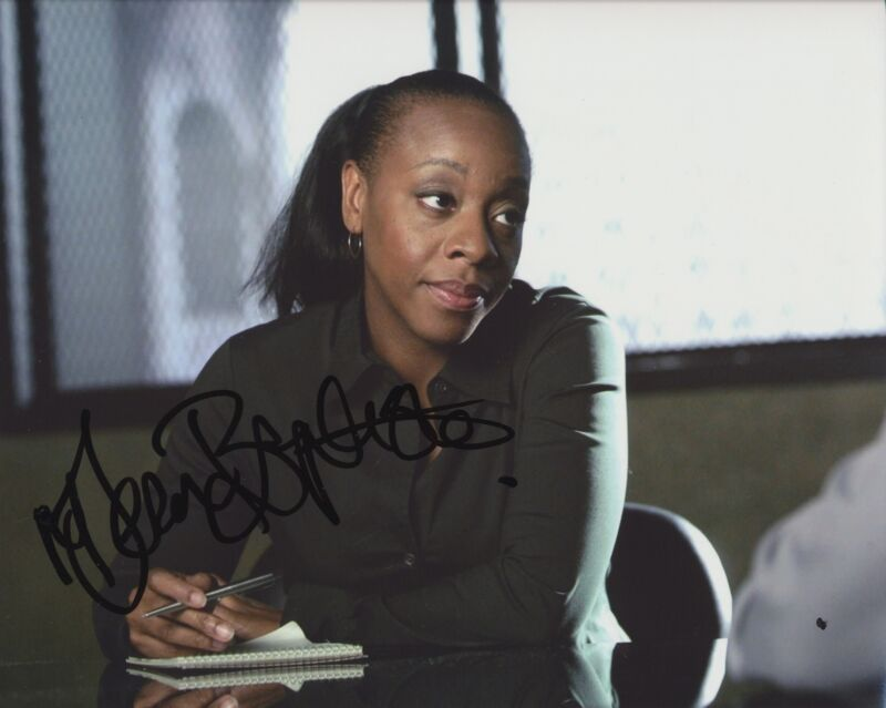 MARIANNE JEAN-BAPTISTE SIGNED WITHOUT A TRACE 8X10 PHOTO