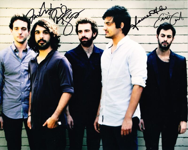 YOUNG THE GIANT SIGNED 8X10 PHOTO