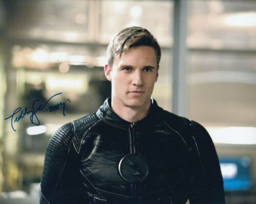 TEDDY SEARS signed (THE FLASH) TV SHOW autograph 8X10 photo *ZOOM* W/COA #1