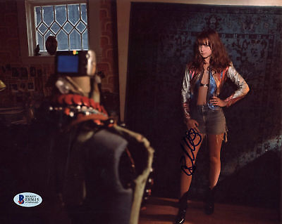 Britt Robertson Girlboss Authentic Signed 8X10 Photo Autographed Bas  E85615