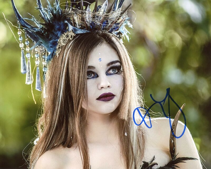 """India Eisley """"The Curse of Sleeping Beauty"""" AUTOGRAPH Signed 8x10 Photo"""