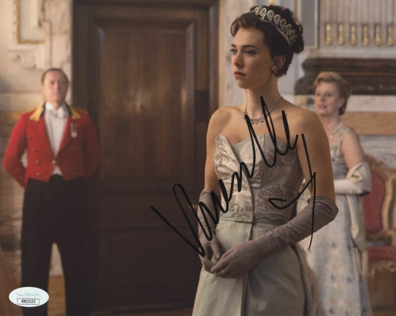 VANESSA KIRBY SIGNED THE CROWN 8X10 PHOTO JSA