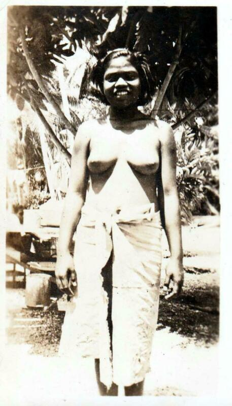 2190 Vintage Photo & THOUSANDS of Scans! NATIVE SOUTH PACIFIC LADY