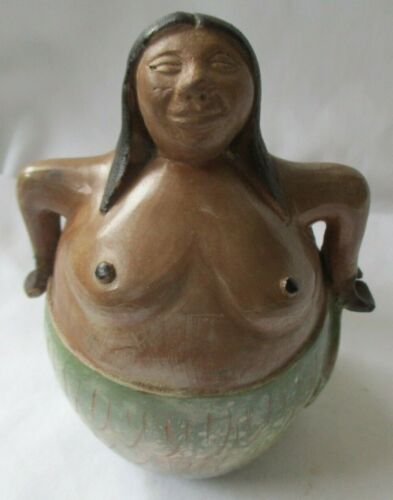 CHULUCANAS PERU CLAY POTTERY WOMAN SIGNED FIGURINE