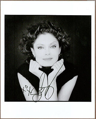 Susan Sarandon Signed 8x10 Black & White Photo Autographed  COA