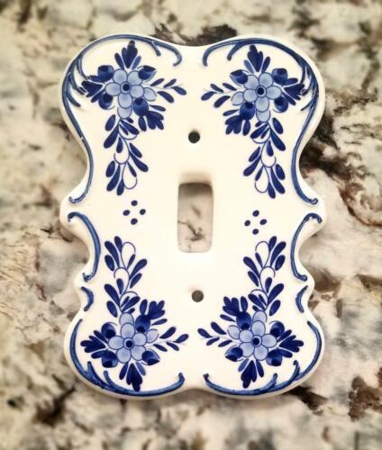 Vintage Delft Blue Porcelain Single Toggle Floral Light Switch Plate(Set of 3)
