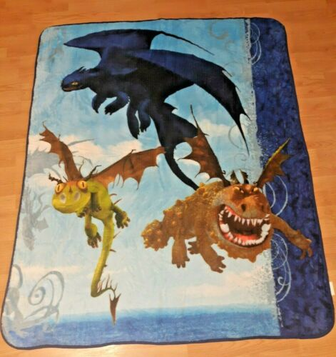 """How to Train Your Dragon Throw Blanket - 59"""" x 48"""" - polyester soft"""