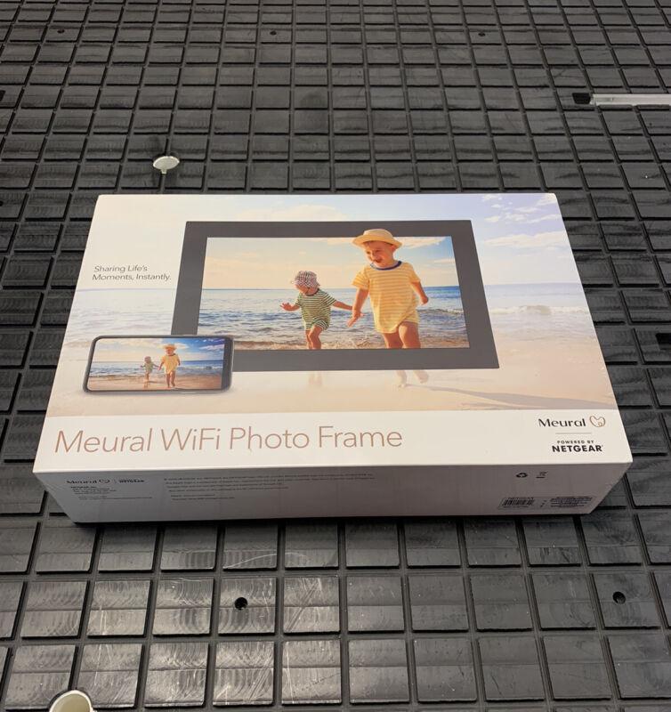 "Meural 15.6"" Full HD Crystal-Clear Wi-Fi Photo Frame #MC315GDW-100NAS"