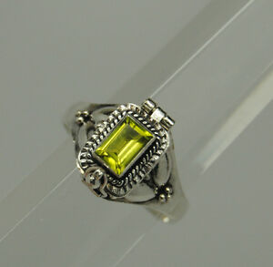 GREEN-PERIDOT-CREMATION-URN-RING-STERLING-SILVER-CREMATION-JEWELRY-925-PET-URN
