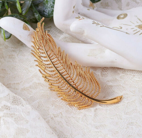 Vintage Monet Gold Tone Rope Texture Feather Pin Brooch