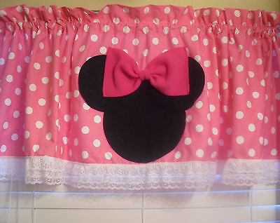 Pink And White Minnie Mouse (Disney Minnie Mouse Pink and White Polka Dot Curtain)