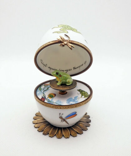 Plays Music French Limoges Box Frog White Egg w Green Frog Key Swan Lake Melody