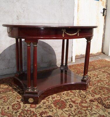 *+ Runder Tisch in Mahagoni Empirestil +*