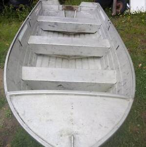 11 ft Dolphin tinny for sale, good roof topper, boat only... Endeavour Hills Casey Area Preview