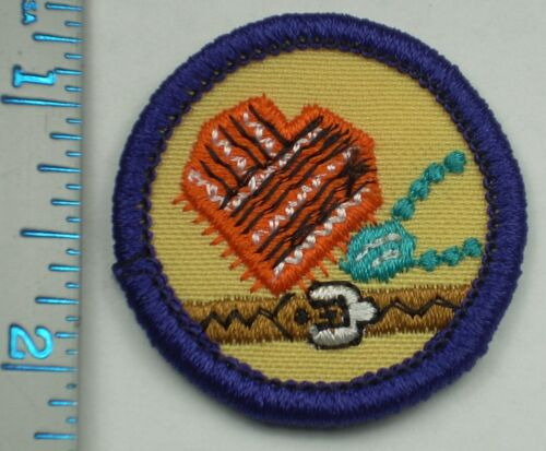 Vintage Girl Scout Badge - Art to Wear - 1980-2001 - retired