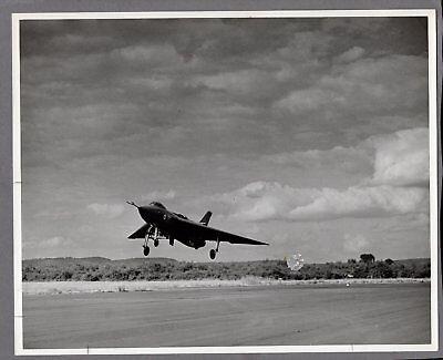 AVRO 707B BRAKE CHUTE DEPLOYED LARGE ORIGINAL PRESS PHOTO PRE VULCAN