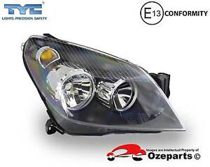 Holden Astra AH Series******2010 Right Head Light Front (Black) Dandenong Greater Dandenong Preview
