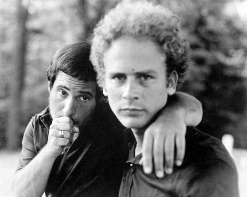 Simon & Garfunkel -  MUSIC PHOTO #17